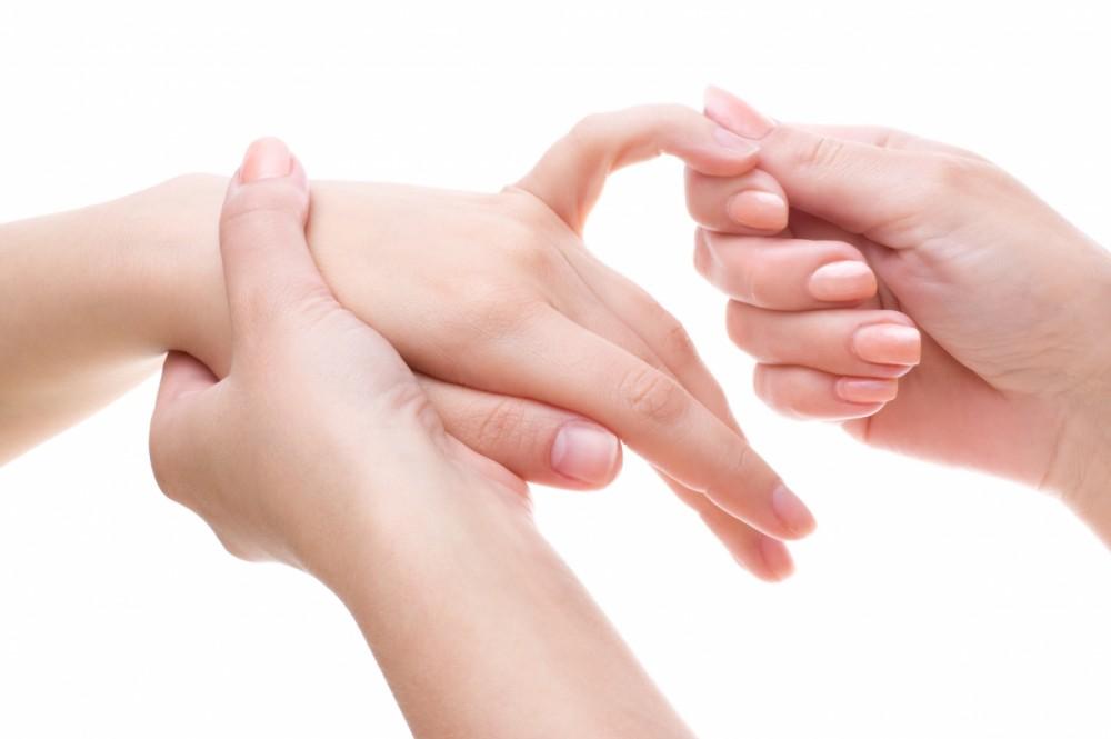 درد انگشتان دست و درمان های پزشکی آن