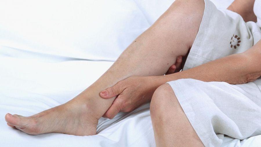 خارش ساق پا از علت تا درمان