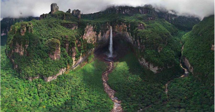 از هزینه های سفر به ونزوئلا و جاذبه های گردشگری آن بیشتر بدانید