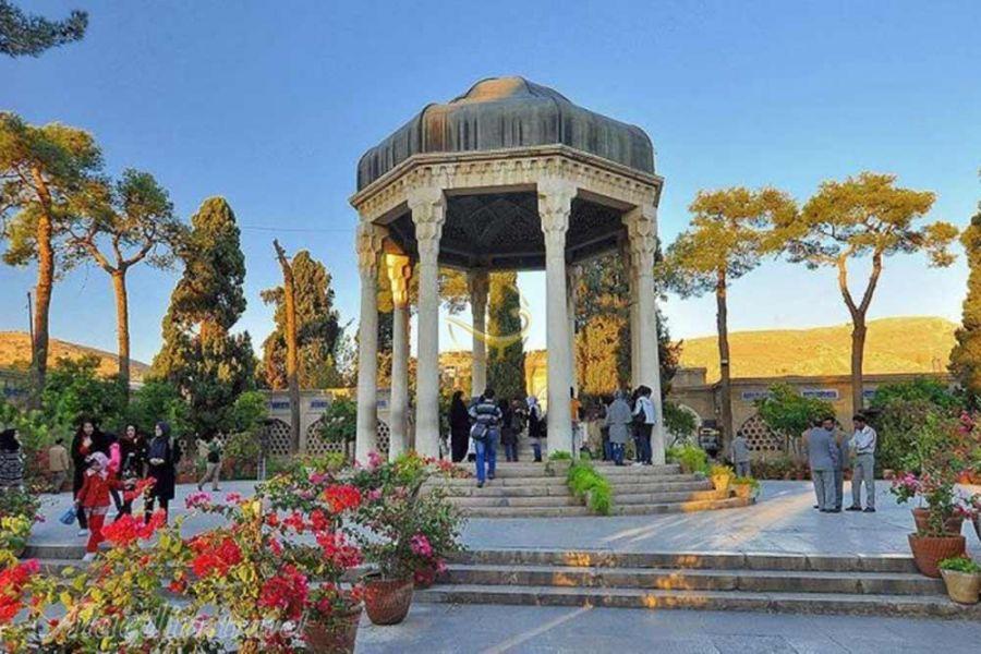 از هزینه های سفر به شیراز ، شهر گل و بلبل بدانید