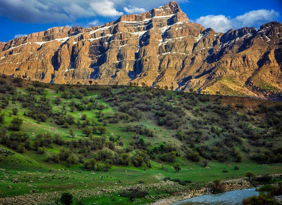 جاذبه های گردشگری و دیدنی غرب ایران