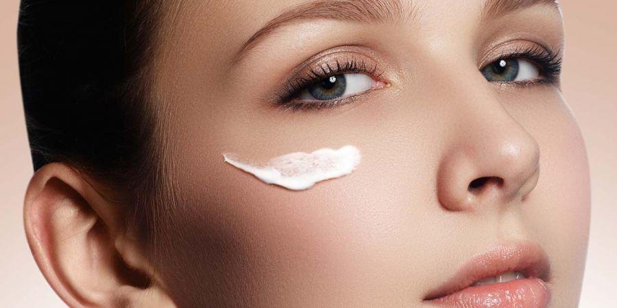 معرفی کرم مرطوب کننده پوست چرب سینره