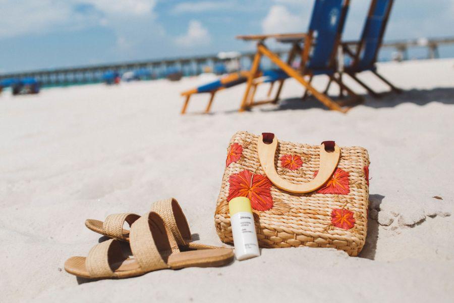 فواید بی نظیر کرم ضد آفتاب +SPF۳۰ بدون رنگ سینره