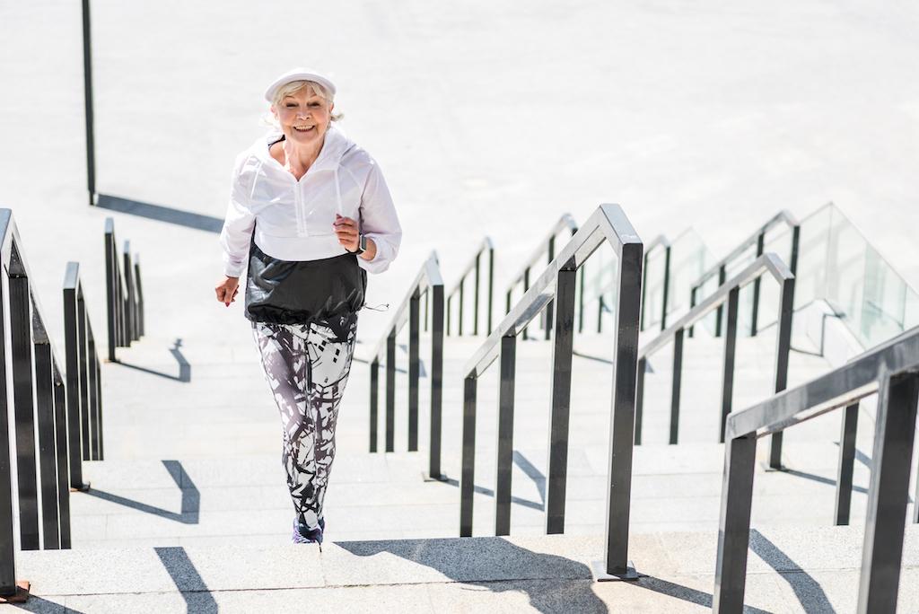 پیمودن پله ها، ورزشی مناسب برای دوران یائسگی