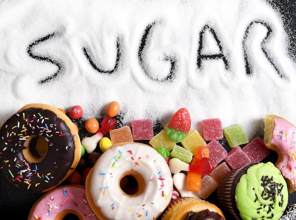 بچه ها در روز چقدر میتوانند قند و شکر بخورند؟