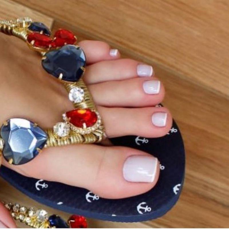 انواع مدل طراحی ناخن پا در طرح ها و مدل های جذاب (۵۰ عکس)