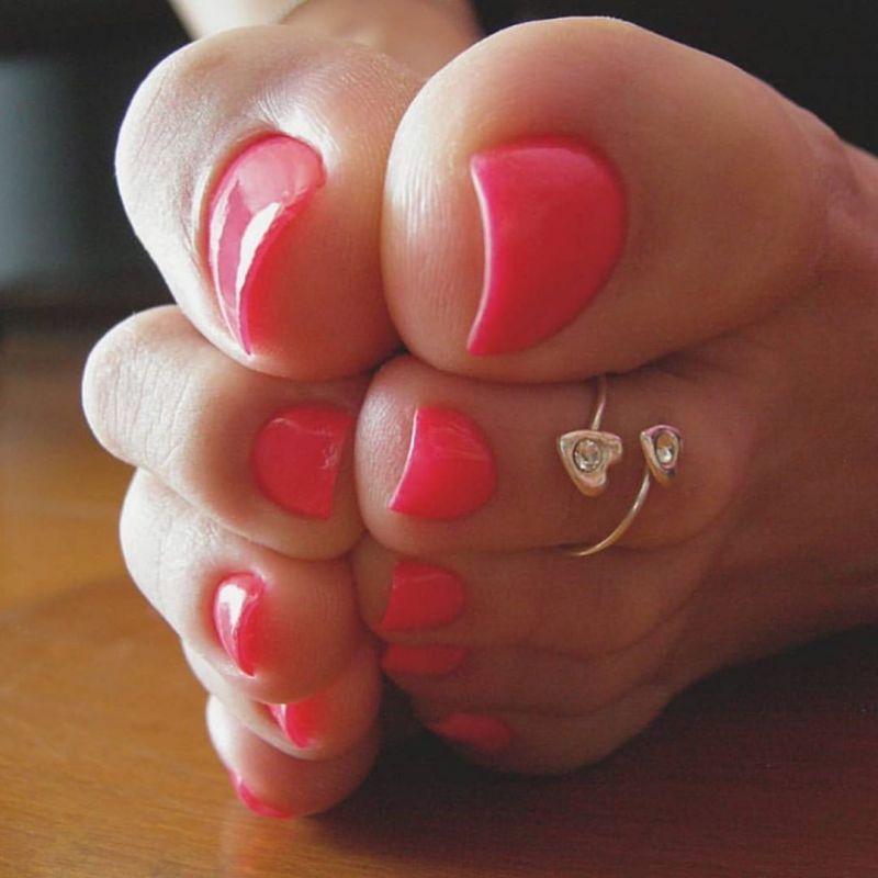 طراحی ناخن پا ۲۰۱۹ بی نظیر برای خانم های باکلاس (۵۰ عکس جدید)