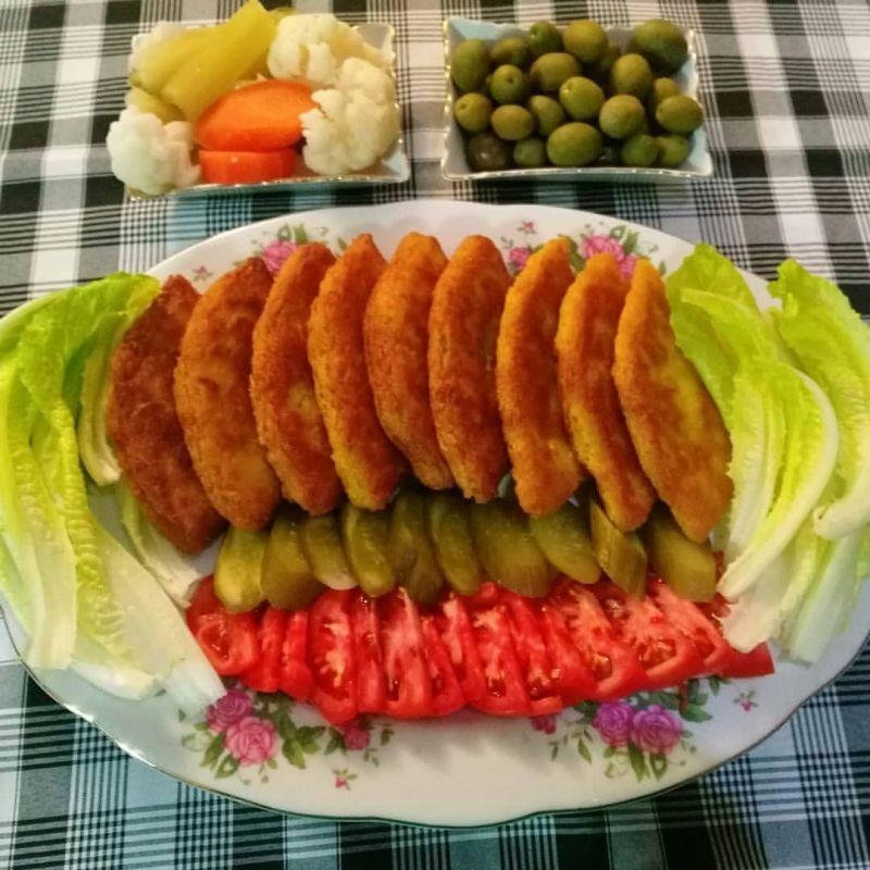 تزیین غذا کتلت با طرح های بی نظیر و خوشمزه (عکس + آموزش )