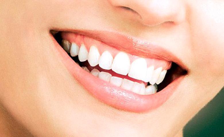خوراکیها و معجون سفید کننده دندان