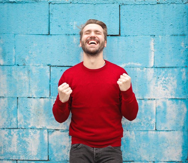 چگونه شاد باشیم ؟ ۳۰ نکته حیرت انگیز برای داشتن زندگی شاد