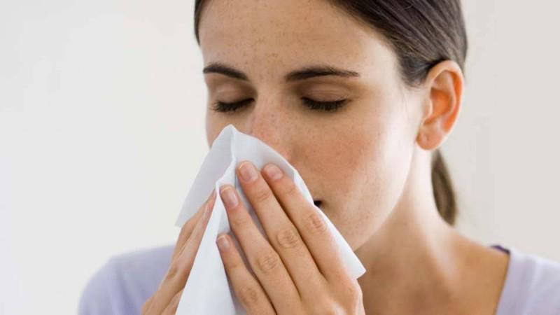 آلرژی بینی چیست ؟ علائم و درمان آلرژی بینی کدامند ؟