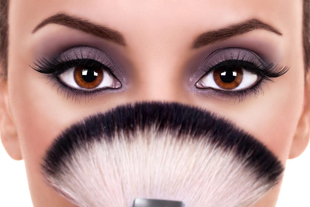 آموزش تصویری آرایش درشت کردن چشم