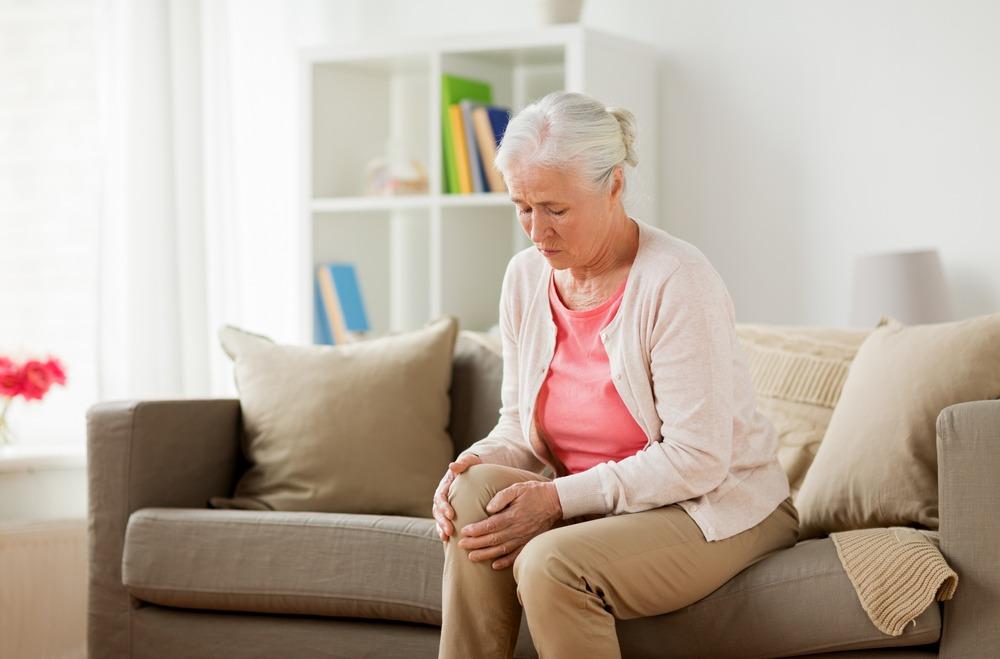 زانو درد: ۲۲ روش معجزه آسا خانگی برای درمان زانو درد
