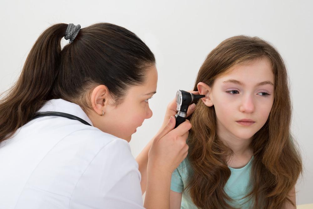 عفونت گوش خارجی : درمان های خانگی عفونت گوش شناگر