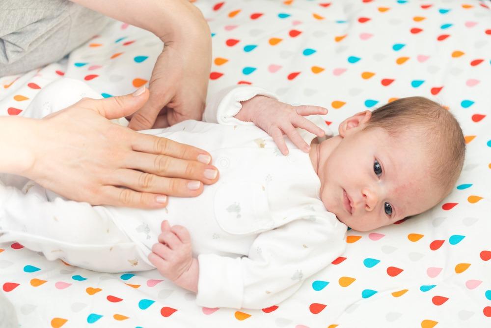 درمان های خانگی کولیک (قولنج) یا دل درد نوزاد