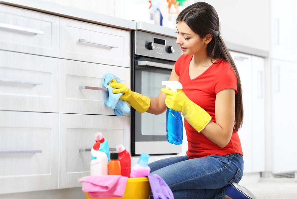 برنامه ی نظافت منزل برای خانم های خانه دار