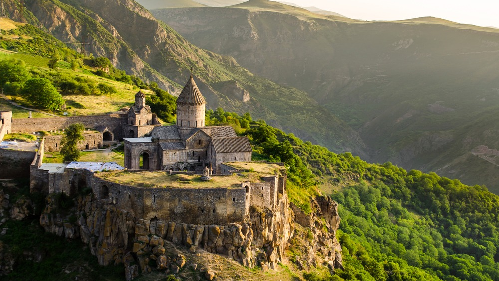 آشنایی با  شرایط اخذ تابعیت و اقامت ارمنستان