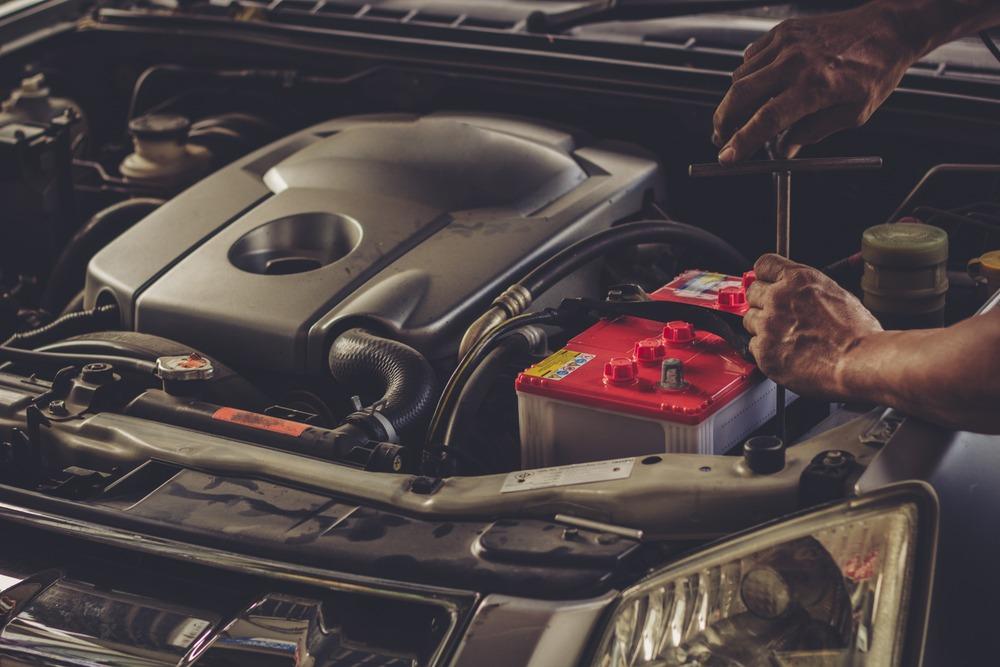 راهنمای خرید و نگهداری انواع باطری خودرو