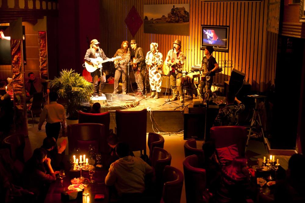 بهترین رستوران ها با اجرای موسیقی زنده در تهران