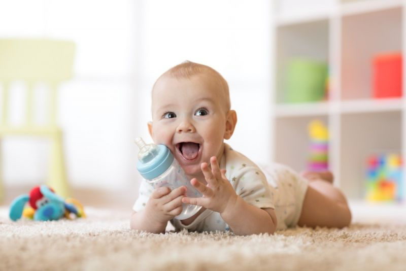 بررسی مشخصات شیشه شیر مناسب نوزاد