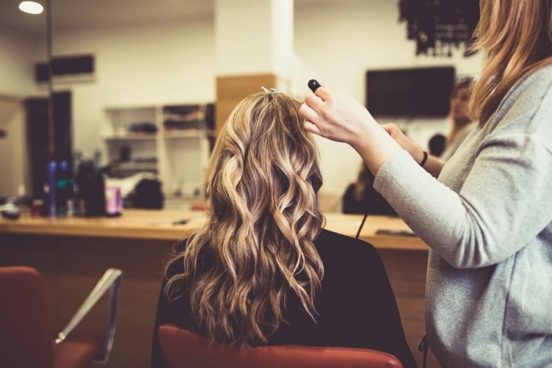 مش مو : آموزش مراحل انواع مش کردن مو با کلاه و فویل