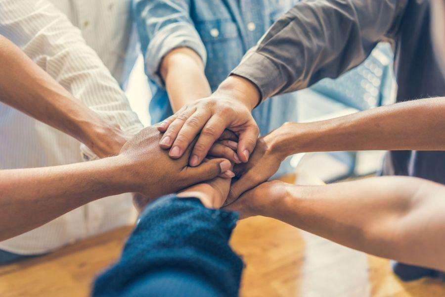 بررسی ۶ عامل موثر در موفقیت کار تیمی