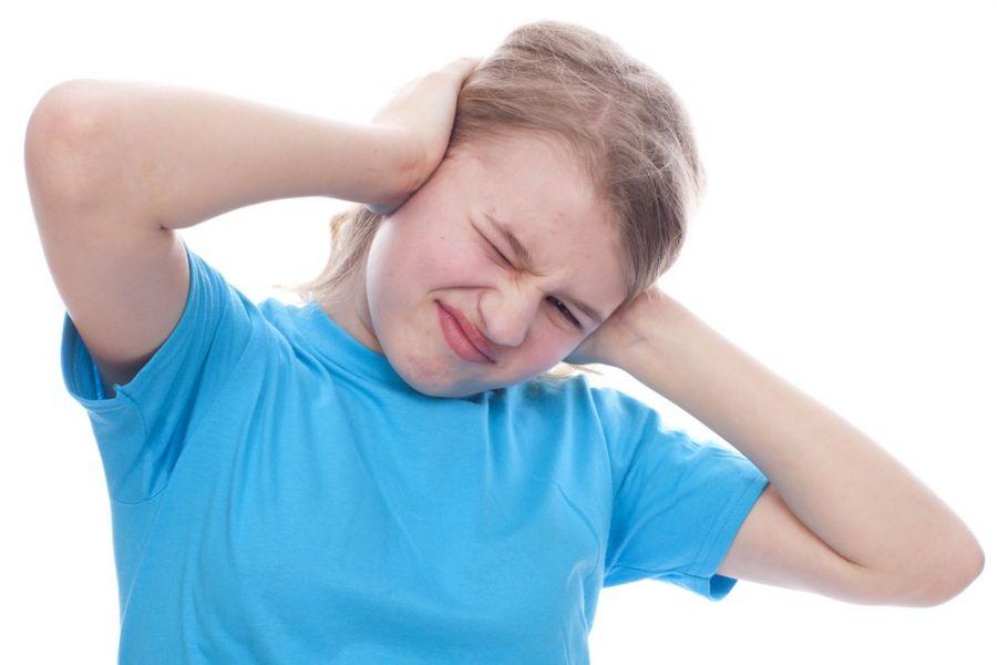 عفونت گوش : ۹ درمان خانگی موثر برای عفونت گوش