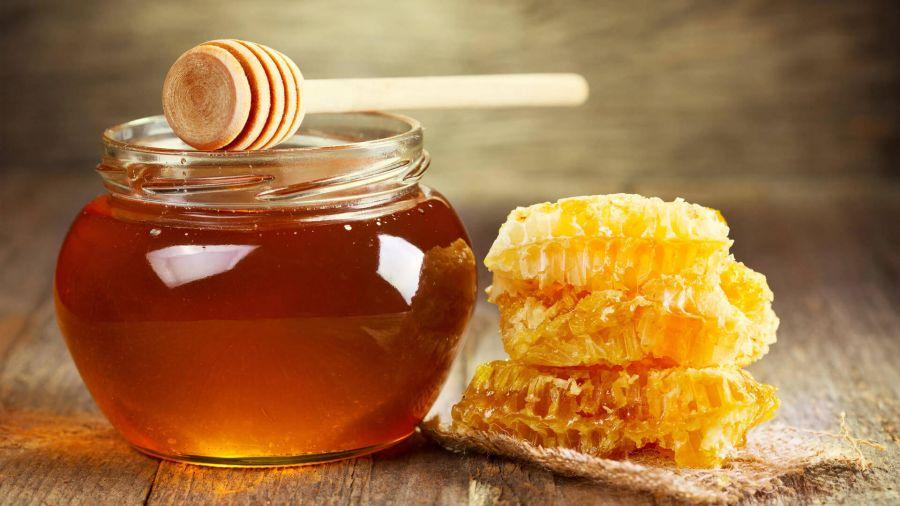 عسل خام چیست و چه خواصی دارد ؟