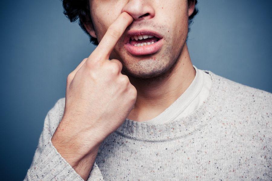 عوارض و راههای مقابله با انگشت کردن در بینی (دماغ)