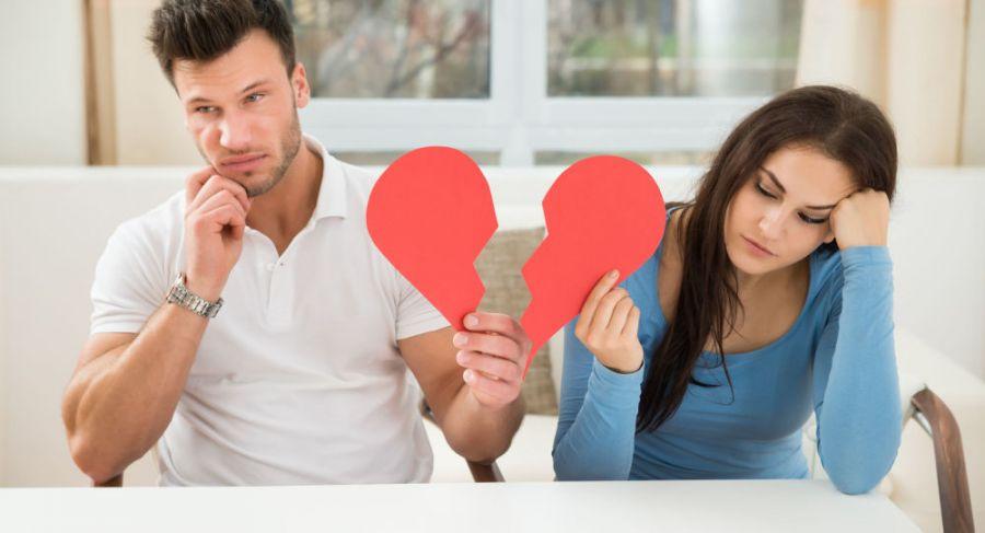 ۲۱ دلیل بی میلی جنسی زنان