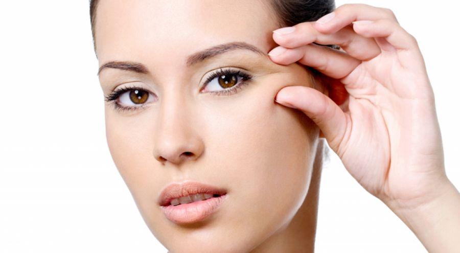 ۷ راه حل بی نظیر برای مراقبت از پوست دور چشم