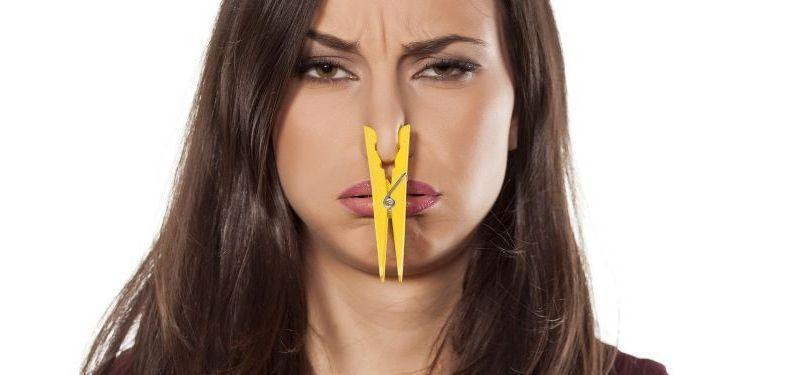 چرا واژن بوی بد میدهد؟ چگونه بوی بد واژن را درمان کنیم؟