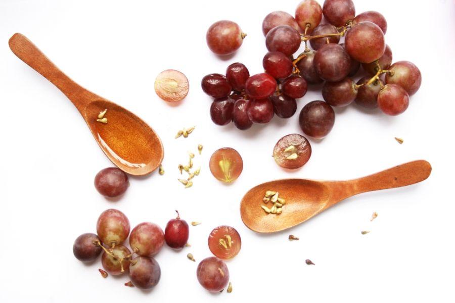 خواص هسته انگور : بررسی عوارض و فواید دارویی و درمانی هسته انگور