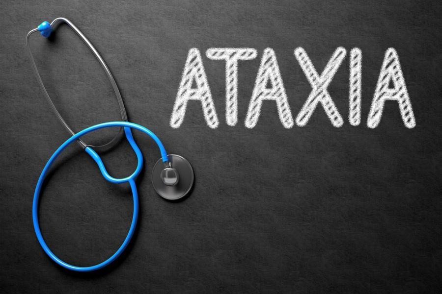 علت آتاکسی (نداشتن تعادل در راه رفتن) چیست ؟