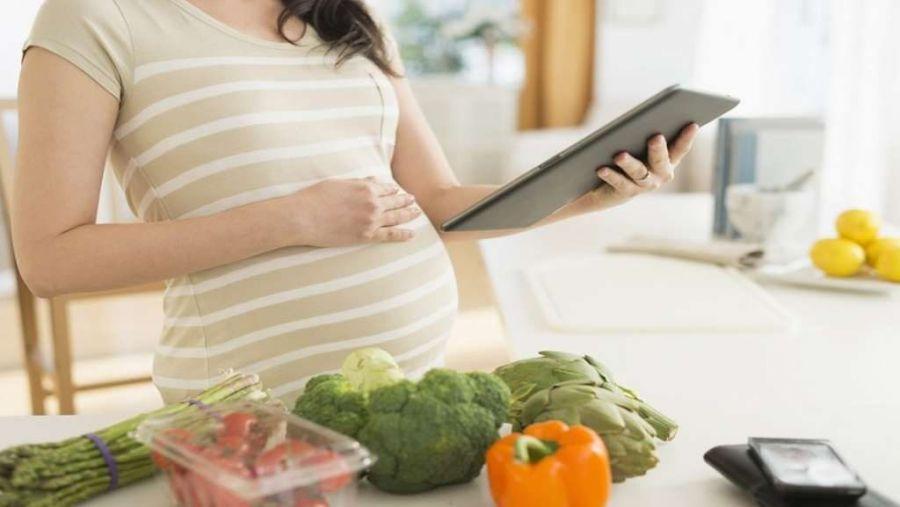 ۴۲ خوراکی حاوی فیبر، مفید و موثر در دوران بارداری