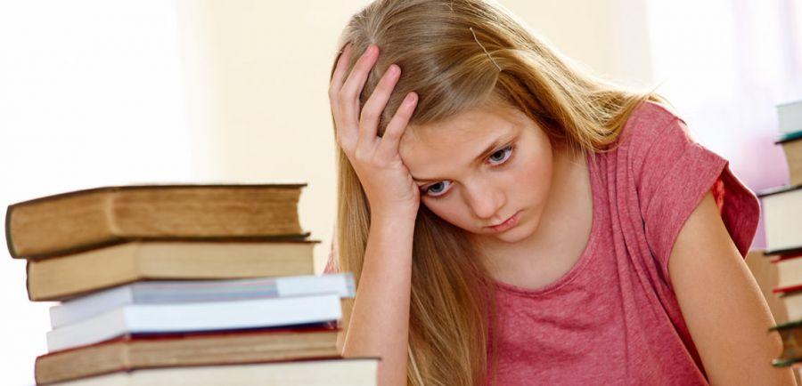 عقب افتادن پریود دختران نوجوان تا چند روز طبیعی است ؟