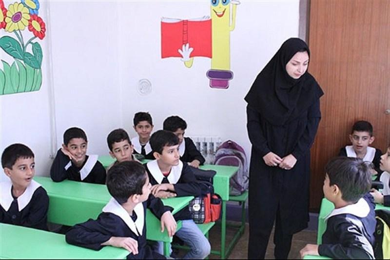 کتب «کمک درسی» و «نمره» در مدارس ابتدایی ممنوع شد
