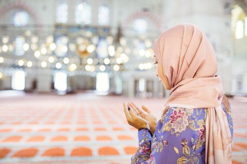 تعبیر خواب نماز خواندن : ۳۷ نشانه و تعبیر نماز خواندن در خواب