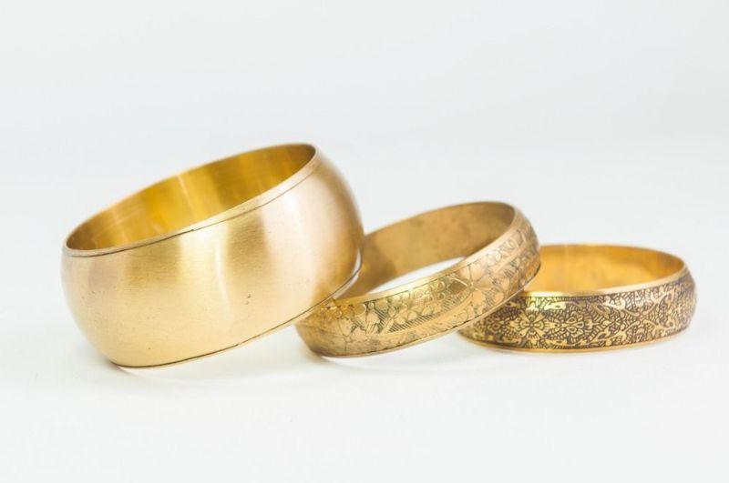 تعبیر و تفسیر خواب دستبند طلا و نقره چیست ؟