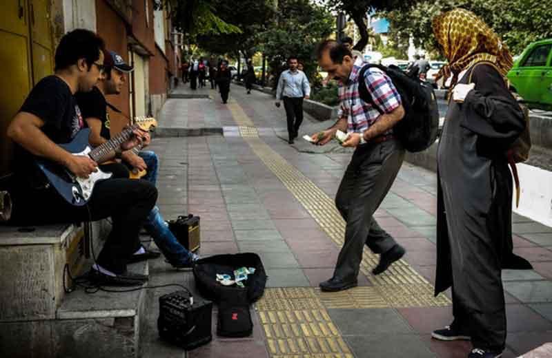 نوازندگی در خیابان جرم نیست