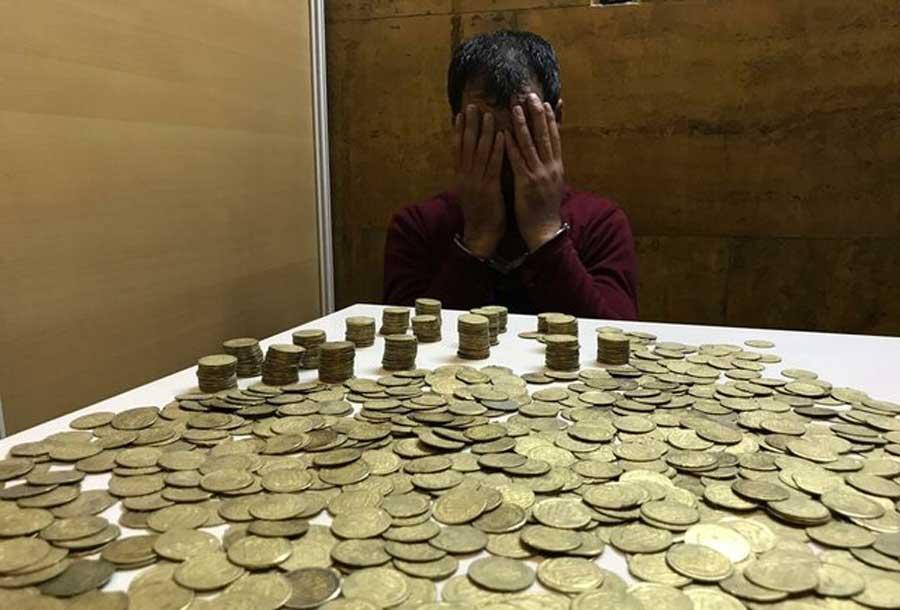 ۱۳۰۰ سکه عتیقه در مترو تهران کشف شد