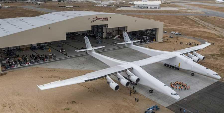 پرواز موفقیت آمیز بزرگترین هواپیمای جهان + عکس