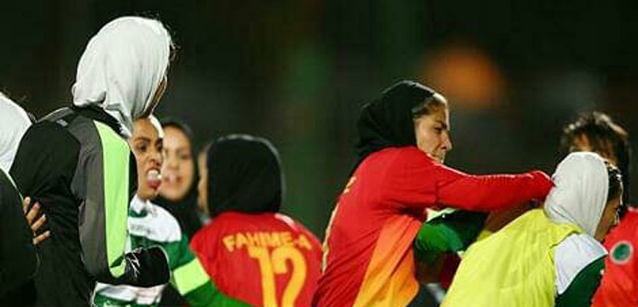 کتک کاری در فوتبال بانوان ایران + تصاویر
