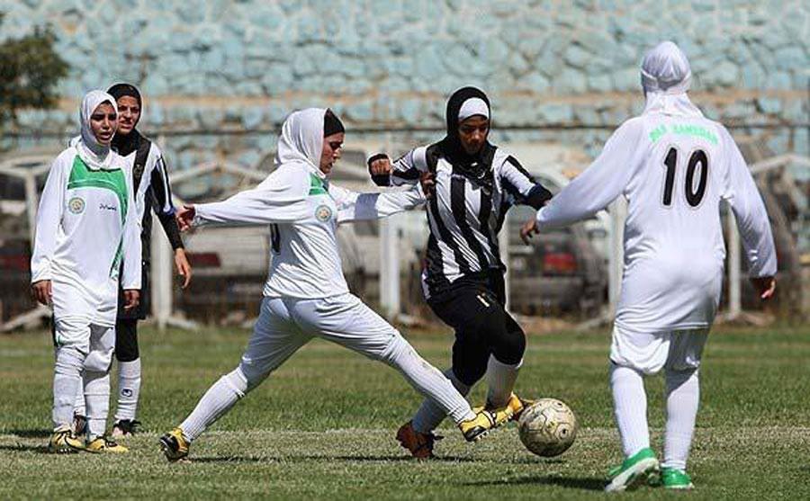 کتک زدن زن فوتبالیست توسط مامور مرد حراست