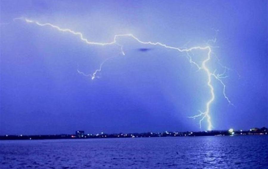 پیش بینی بارش باران ۴ روزه و صاعقه در ۲۰ استان