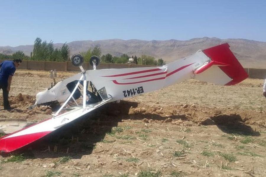 سقوط هواپیمای آموزشی در ایوانکی گرمسار + جزئیات