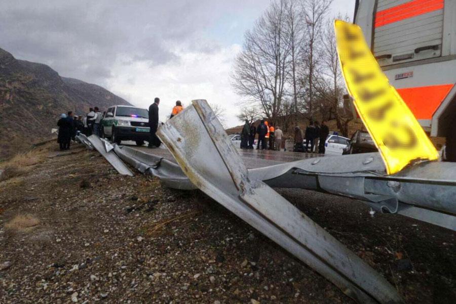 علت حادثه واژگونی اتوبوس بندرعباس