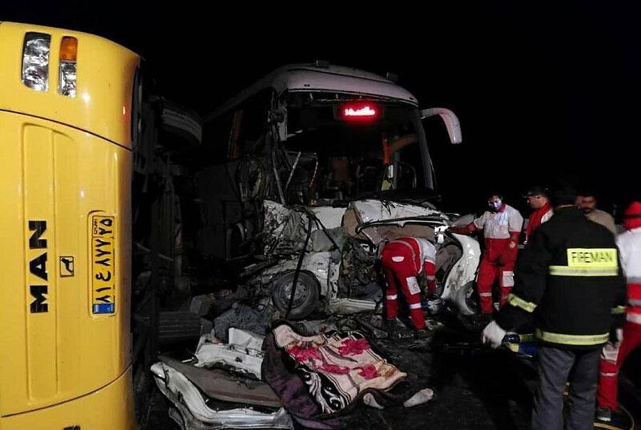 تصادف زنجیره ای در قزوین سه کشته برجای گذاشت