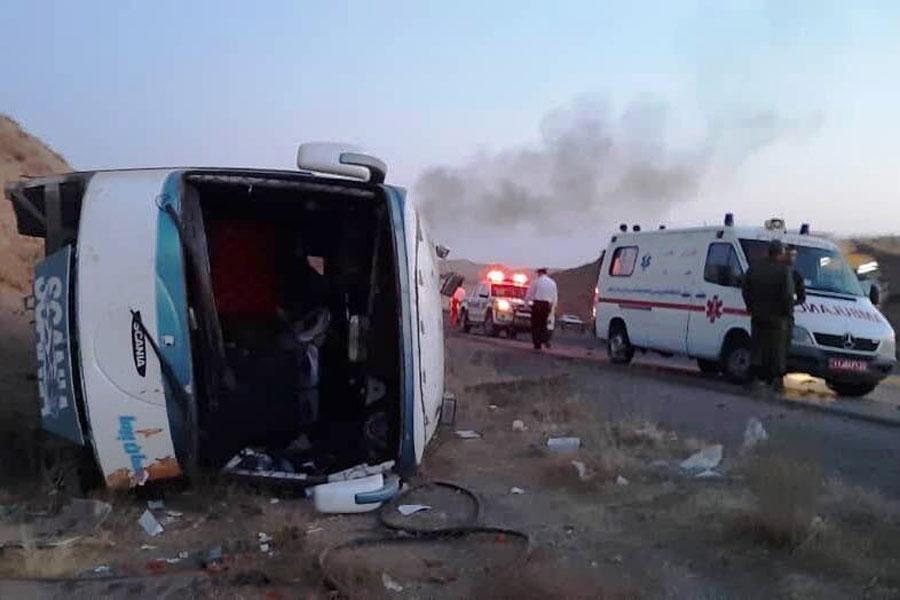 علت واژگونی اتوبوس کارکنان شرکت نفت در ماهشهر