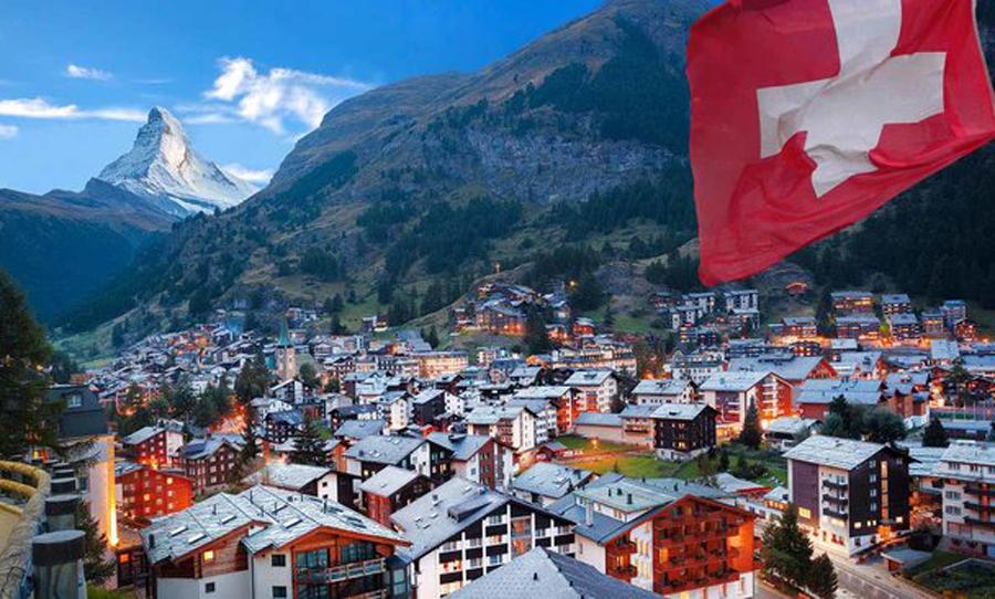 حقوق معلمان سوئیسی چقدر است ؟